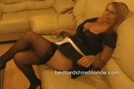 Mulheres amarradas peladas na cama
